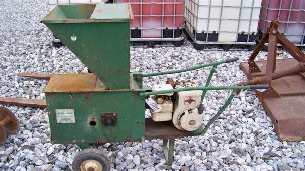 9: Might Mac Chipper Shredder 5HP B&S