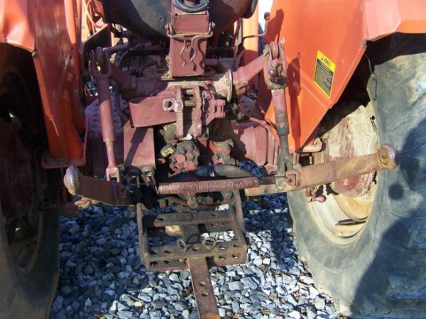 574: Allis Chalmers 5050 Tractor with Loader - 5