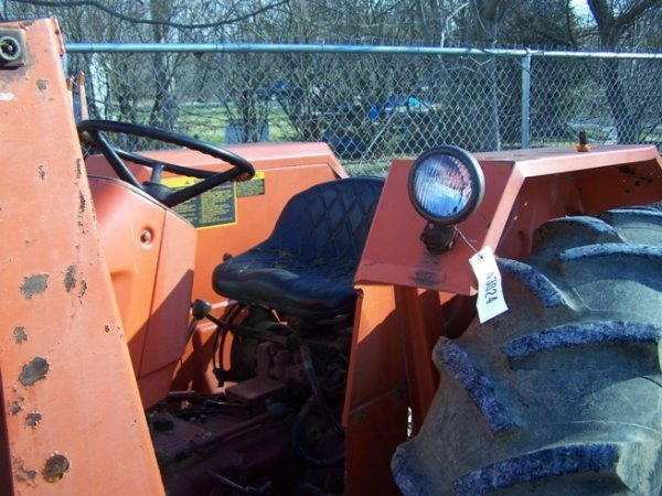 574: Allis Chalmers 5050 Tractor with Loader - 8