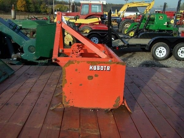 2: KUBOTA 4 FT  BOX BLADE FOR COMPACT TRACTOR - 3