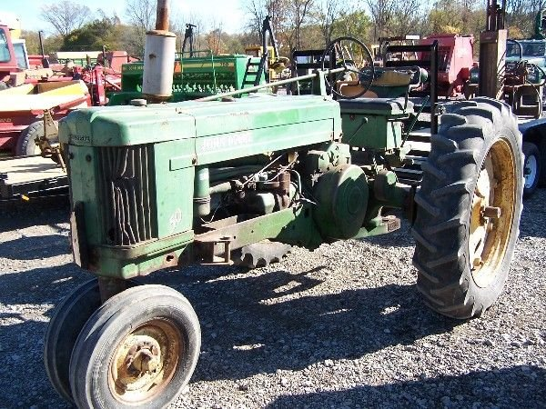 4: JOHN DEERE 50 ANTIQUE TRACTOR