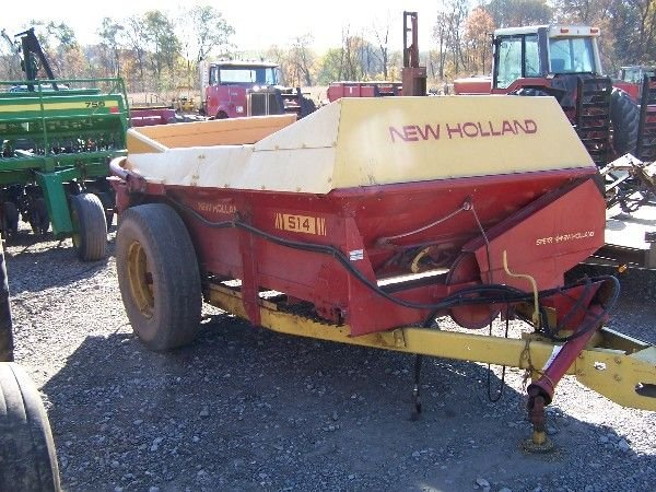 6: NEW HOLLAND 514 MANURE SPREADER FOR TRACTOR