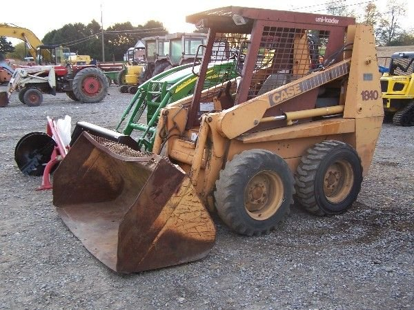 10: Case 1840 Skid Steer Bobcat