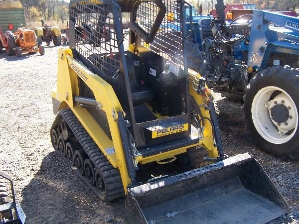 23: POLARIS ASL 300 SKID STEER LIKE NEW SAME AS POSI-TR