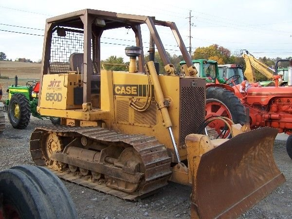 52: CASE 850 D BULLDOZER W/ 6-WAY BLADE 1-OWNER NICE!!