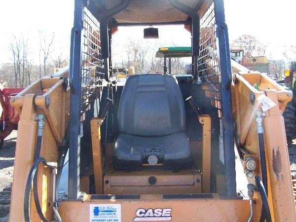 26: CASE 1845C SKID STEER W/ BUCKETS AND TRACKS  - 7