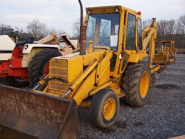 140: NICE FORD 550 TRACTOR LOADER BACKHOE