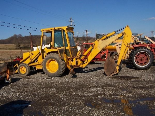 140: NICE FORD 550 TRACTOR LOADER BACKHOE - 6