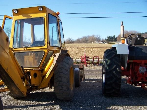140: NICE FORD 550 TRACTOR LOADER BACKHOE - 8