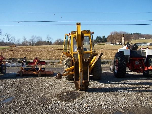 140: NICE FORD 550 TRACTOR LOADER BACKHOE - 9