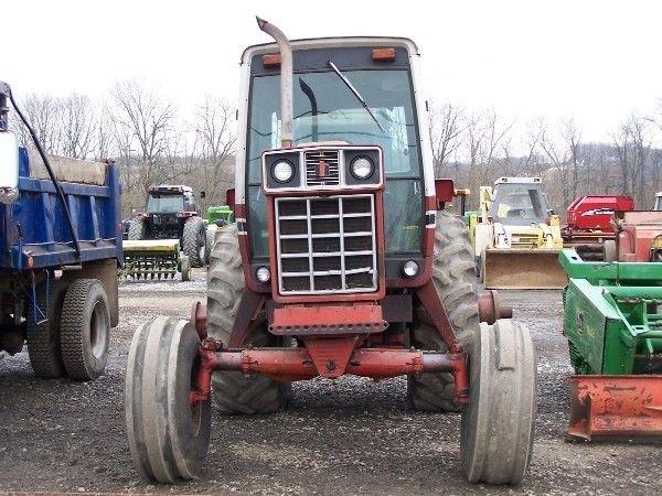 14: International 1586 Tractor w/ Cab & Air ABSOLUTE SA - 2