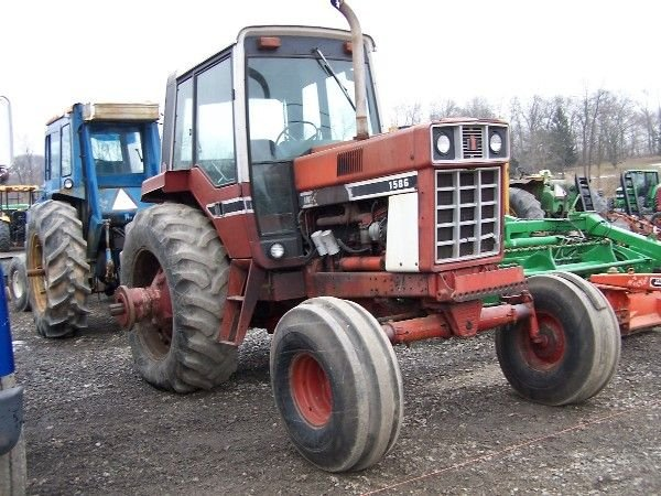 14: International 1586 Tractor w/ Cab & Air ABSOLUTE SA - 3