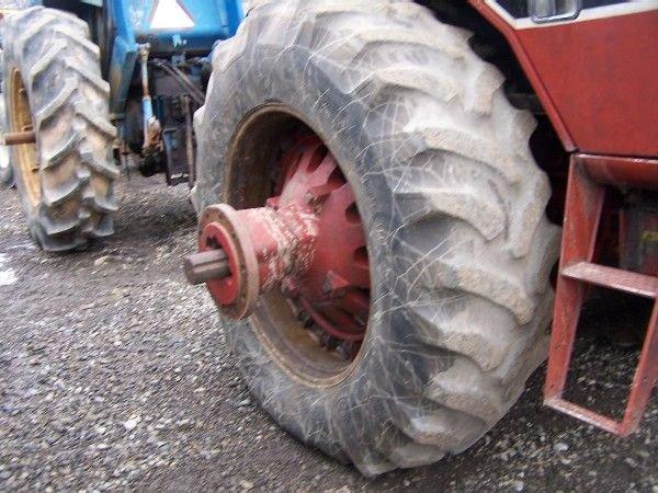 14: International 1586 Tractor w/ Cab & Air ABSOLUTE SA - 5