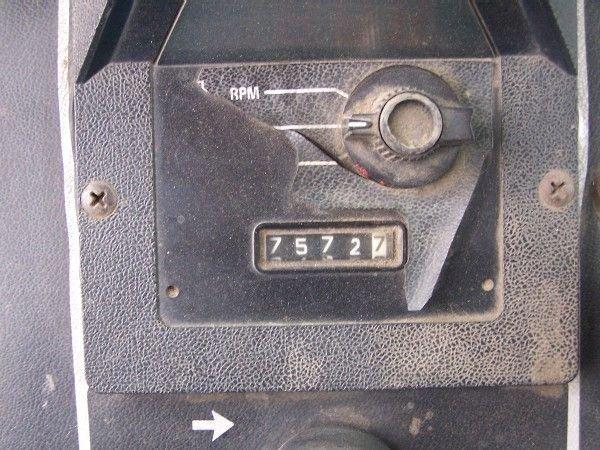 14: International 1586 Tractor w/ Cab & Air ABSOLUTE SA - 9