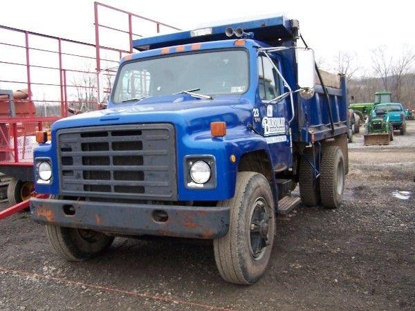 15: 81' IH S-2500 Single axle Dump Truck, DT466 226K