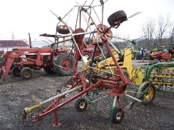 18: Hesston 3717 17' Hydraulic Fold Hay Tedder for Trac