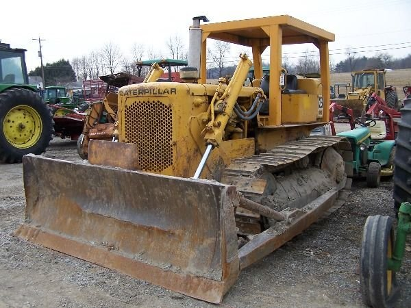160: Cat D4D Bull Dozer. Absolute Auction!!! - 2