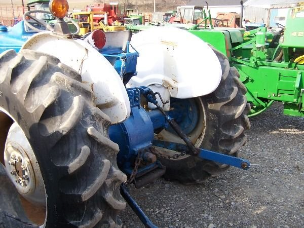 202: Nice Ford 3000 Gas Tractor w/ Power Steering!!! - 6
