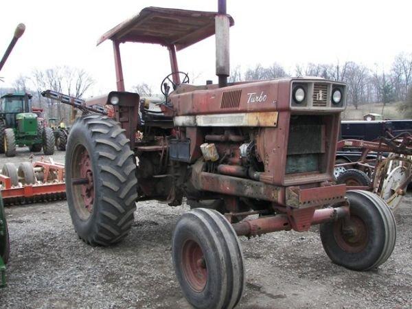 507: International IH 1066 Farm Tractor w/ 2 Post ROPS - 3