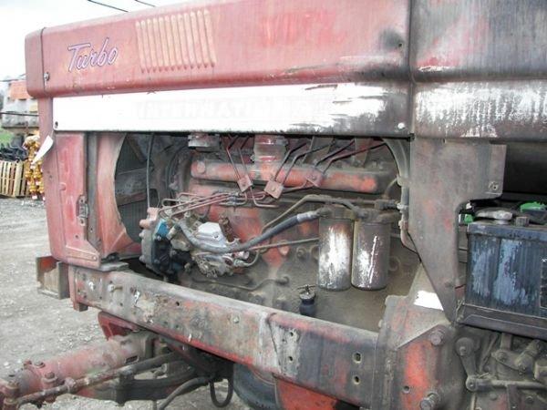 507: International IH 1066 Farm Tractor w/ 2 Post ROPS - 9
