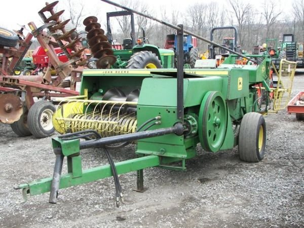 508: John Deere 336 Square Baler for tractor