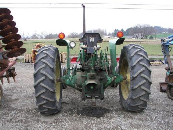 510: John Deere 2940 Farm Tractor!!