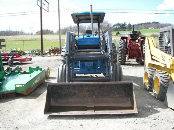 562: Nice Ford 5640 Farm Tractor w/ Allied Loader!!! - 2