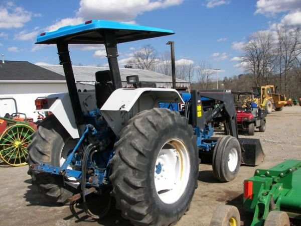 562: Nice Ford 5640 Farm Tractor w/ Allied Loader!!! - 4