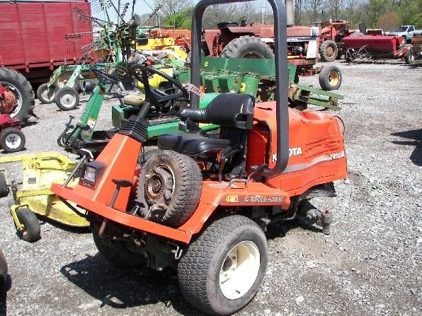 "16: Kubota F2400 Front Cut Tractor ""Fixer Upper"""
