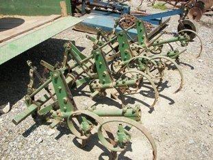 142: Nice John Deere 3pt Cultivator for Tractors!! - 2