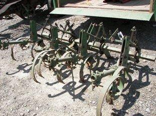 142: Nice John Deere 3pt Cultivator for Tractors!! - 3