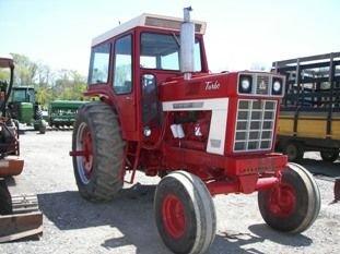 27: International Farmall 1066 Tractor w/ Cab and Air