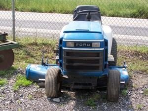 502: Ford LGT 165 Lawn and Garden Tractor w/ Mower!!