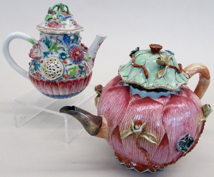 Two Chinese Export Tea Pots