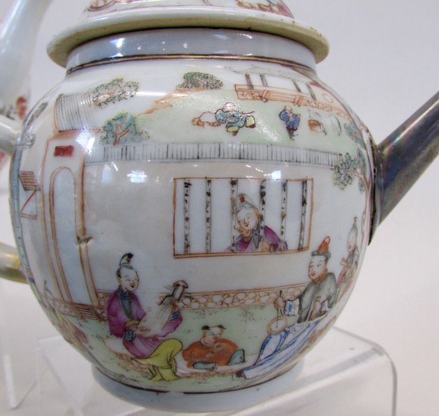 Group of 4 Chinese Export Teapots - 2