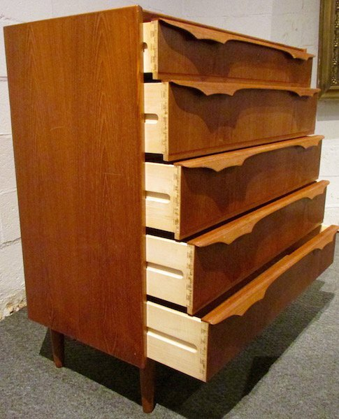 "Danish Teak ""Trekanten"" 5 Drawer Chest - 4"