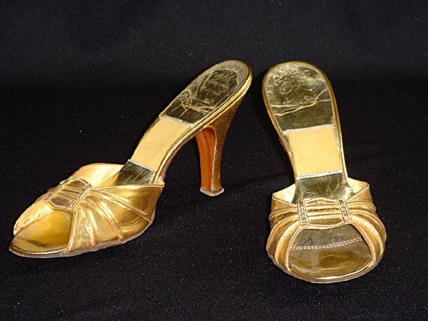 2008: Marilyn Monroe's Gold Shoes