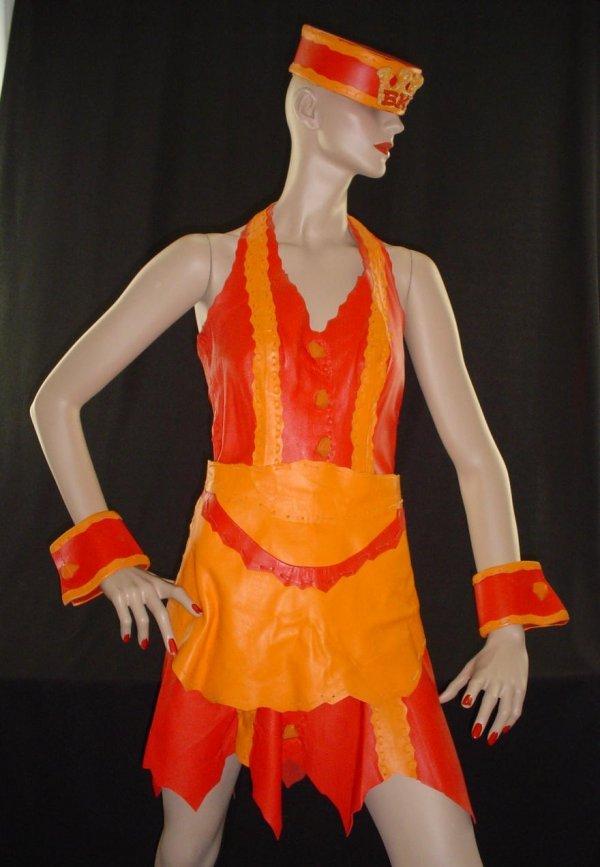 3024: Bronto King Waitress Costume