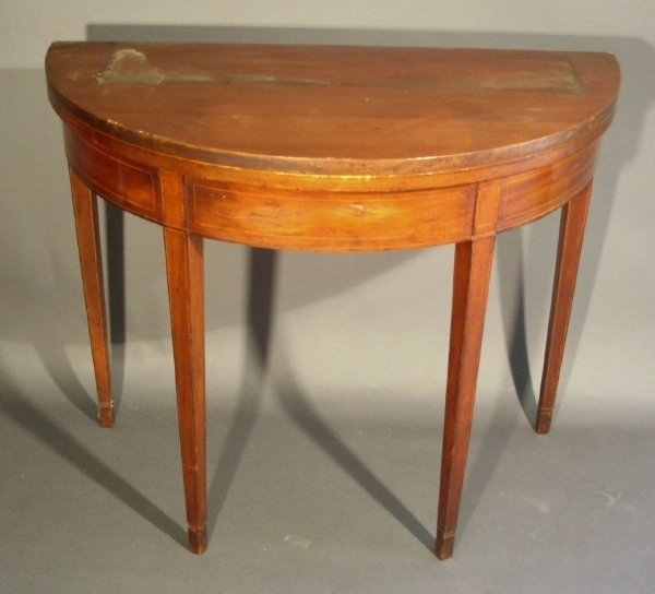 259: Federal mahogany demilune card table with line inl