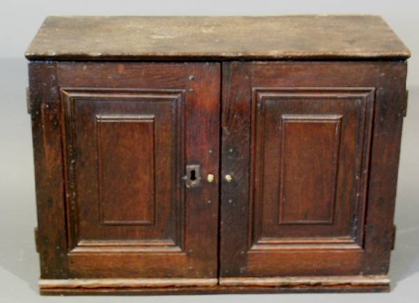 278: Continental oak two-drawer table top cabinet, 18th
