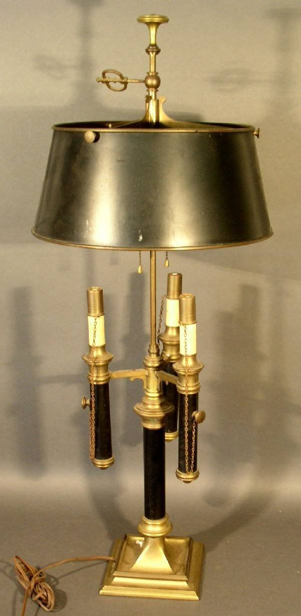 391: Brass table lamp w/black metal shade and 5 lights.