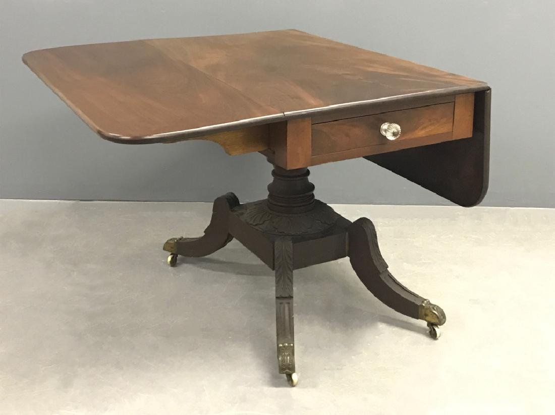 Pennsylvania Federal Mahogany Drop-Leaf Table