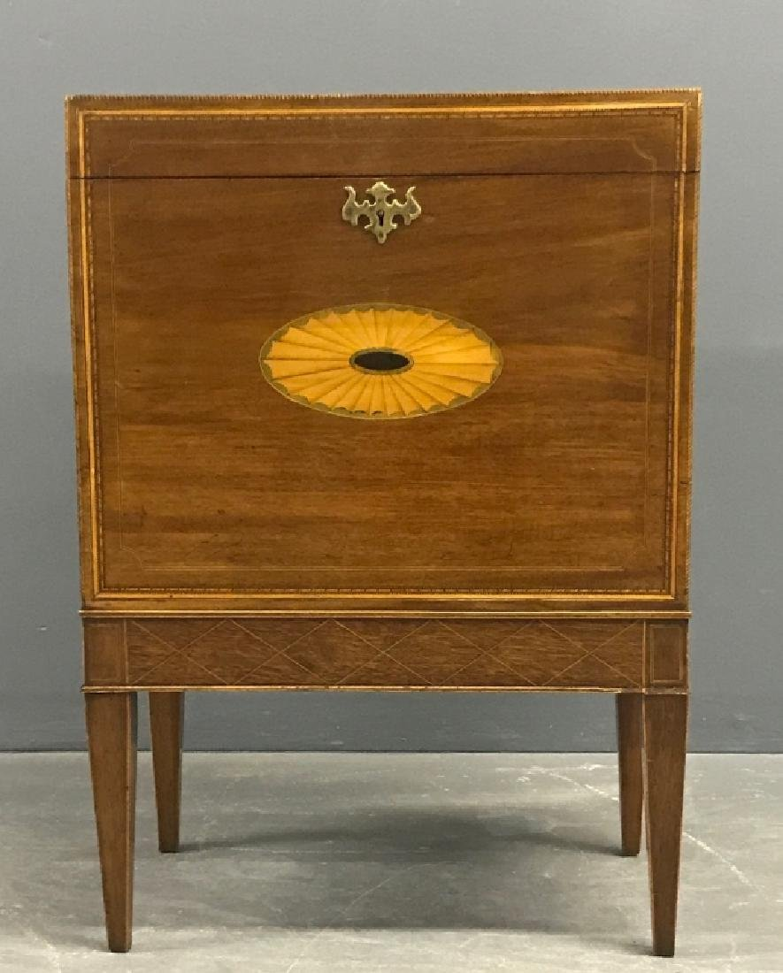 Georgian Mahogany Inlaid Cellarette