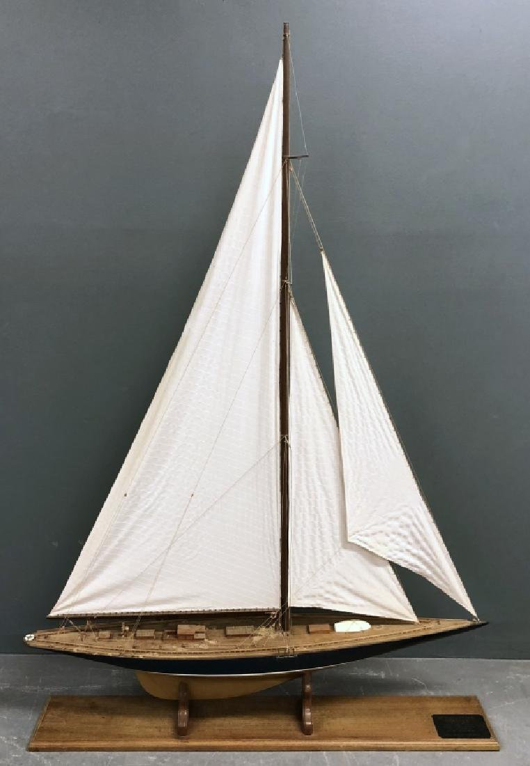 "Wood Model of the ""Endeavour"""