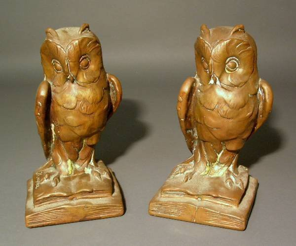 """330: Pair of bronzed owl bookends signed """"Kauppa"""". 9."""