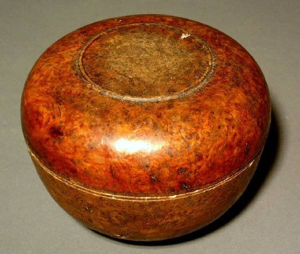 """333: Burl wood bowl with cover. 4""""h.x5""""diam."""