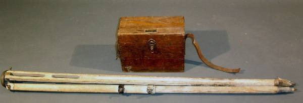 342: Seiler Instrument Co. oak cased sextant and stan