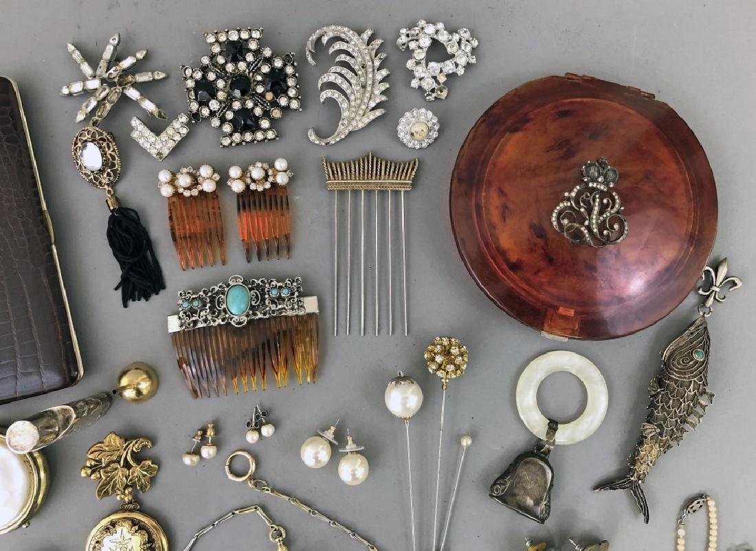 Vintage Jewelry and Hair Combs - 2