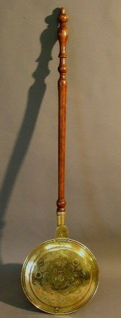 362:   Brass bed warmer, 19th c., turned maple handle.