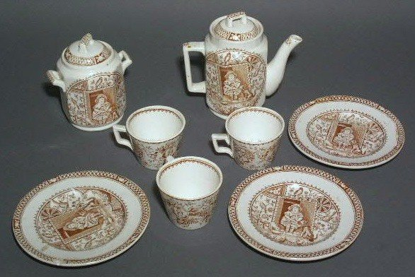 20: English child's tea set, brown & white, lacking cre
